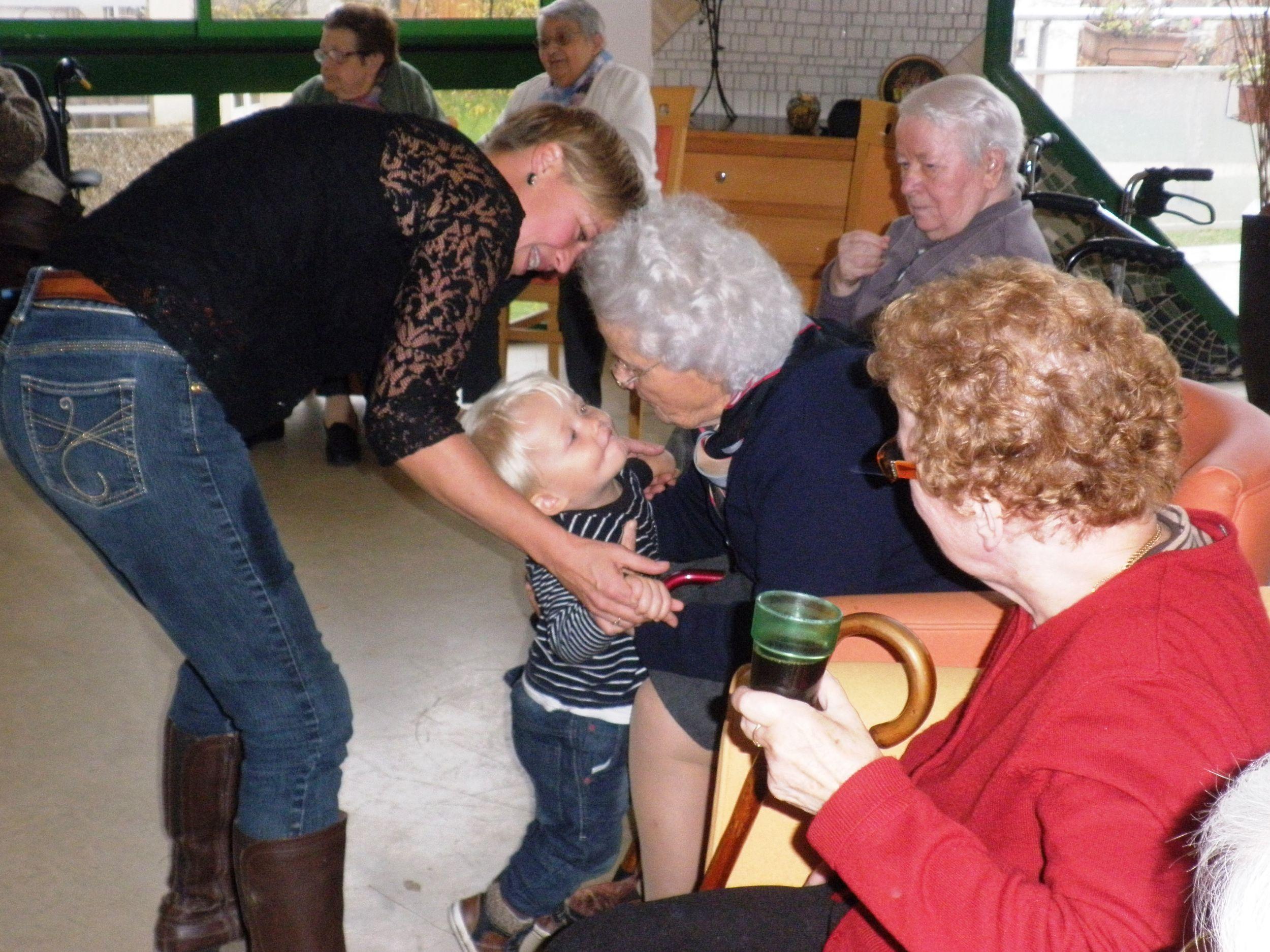 Favoriser les rencontres intergenerationnelles